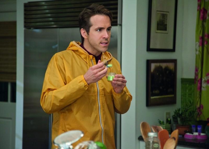 Ryan Reynolds in una scena della commedia Cambio Vita