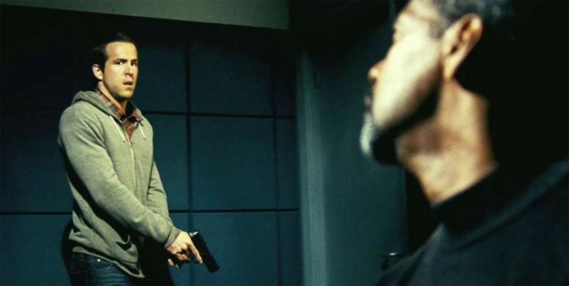 Denzel Washington e Ryan Reynolds tratta dal film Safe House