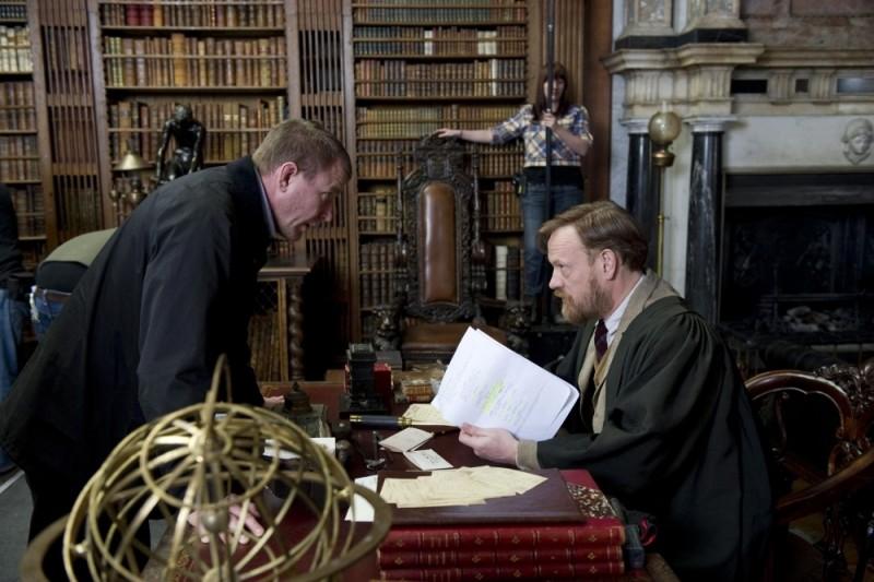 Guy Ritchie sul set di Sherlock Holmes: Gioco di ombre con Jared Harris