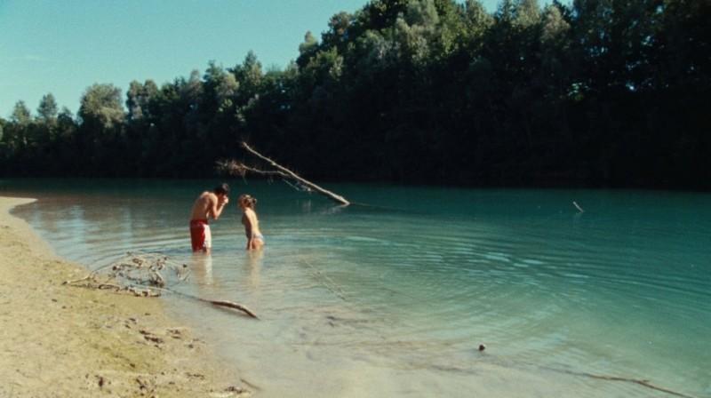 Stefania Comodin e Giacomo Zulian in una scena del film L'estate di Giacomo