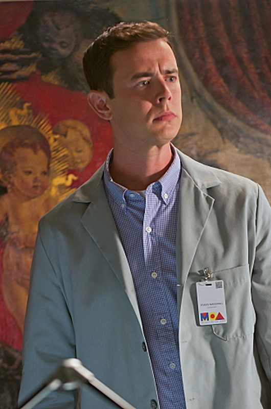 Colin Hanks nei panni di Travis in una scena dell'episodio Sins of Omission