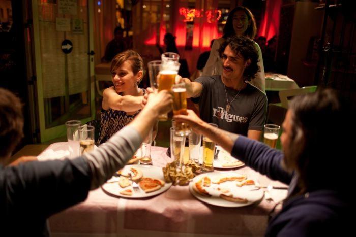 I più grandi di tutti: Claudia Pandolfi e Marco Cocci in una scena del film