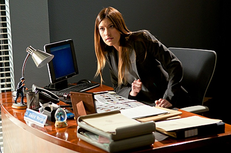 Jennifer Carpenter nei panni di Debra Morgan in una scena dell'episodio Sins of Omission