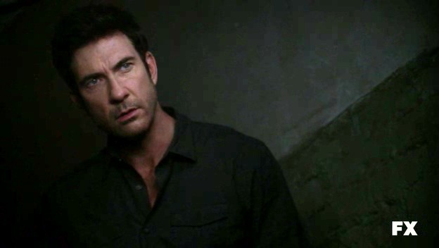 American Horror Story: Dylan McDermott nell'episodio Rubber Man
