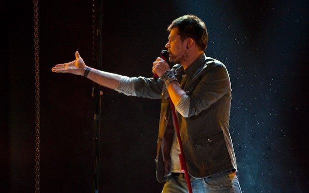 X-Factor 5: Claudio Cera si esibisce con The Dogs Days are Over nella seconda puntata