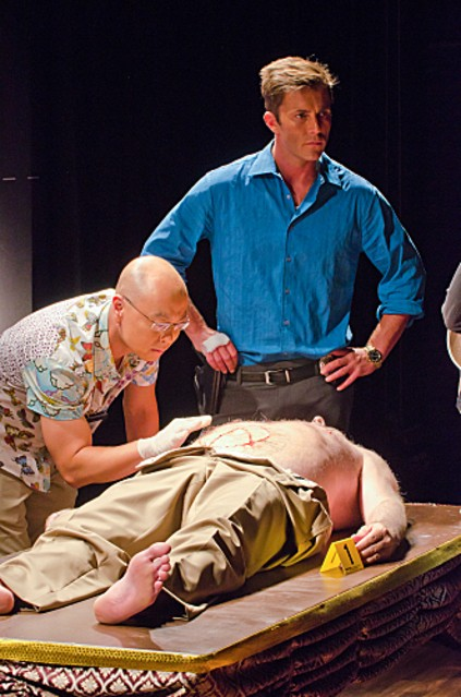 Dexter: C.S. Lee e Desmond Harrington nell'episodio Get Gellar