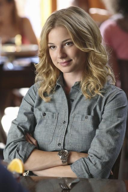 Revenge: Emily VanCamp nell'episodio Trust