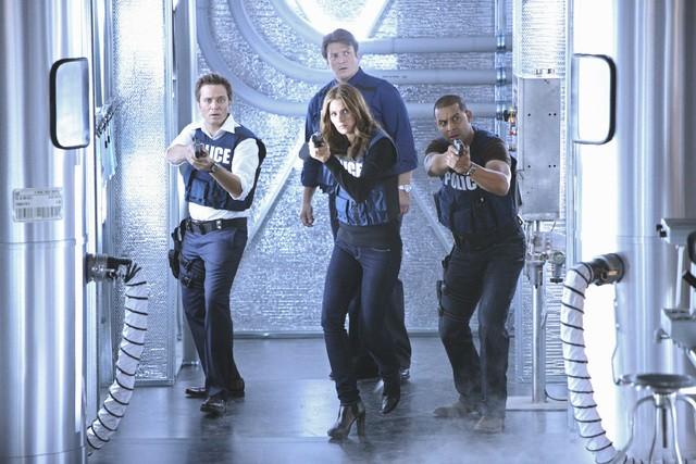 Castle: Jon Huertas, Nathan Fillion, Seamus Dever e Stana Katic nell'episodio Head Case