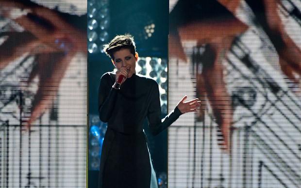 X-Factor 5: Antonella Lo Coco si esibisce con Strict Machine nella terza puntata