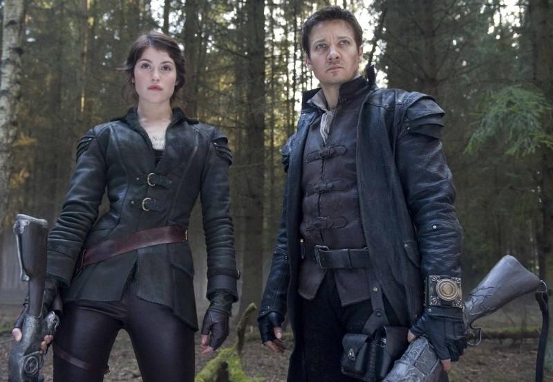 Gemma Arterton e Jeremy Renner sono i fratelli cacciatori di streghe in Hansel and Gretel: Witch Hunters