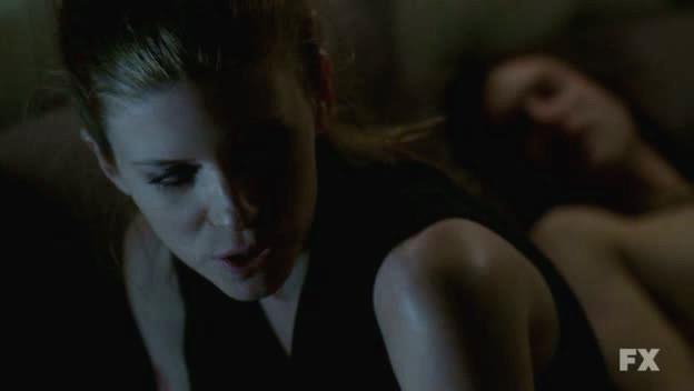 Kate Mara in American Horror Story (episodio Spooky Little Girl) con Michael Graziadei
