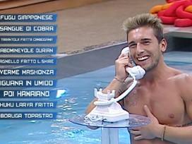 Grande Fratello 12: Danilo in piscina, durante una prova