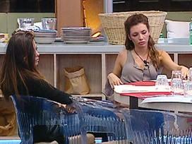 Grande Fratello 12: Floriana e Ilenia discutono dopo un litigio