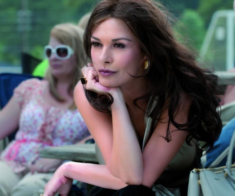 Catherine Zeta-Jones in una scena del film Playing the Field