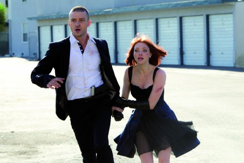 In Time: Justin Timberlake e Amanda Seyfried in una scena d'azione del film