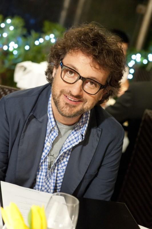Finalmente la felicità: Leonardo Pieraccioni con gli occhiali sul set del film