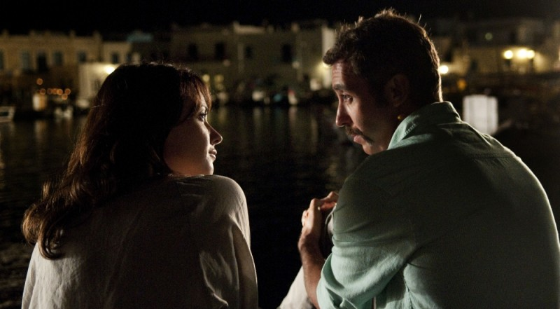 Immaturi - Il viaggio: Anita Caprioli e Paolo Kessisoglu in una romantica scena del film