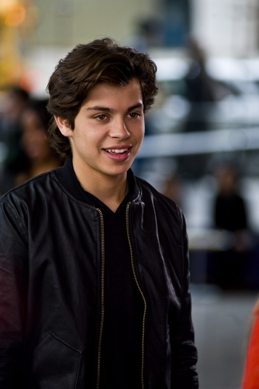 Jake T. Austin in Capodanno a New York