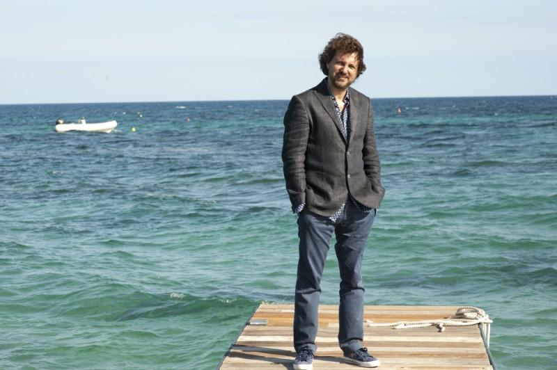 Leonardo Pieraccioni al mare sul set di Finalmente la felicità
