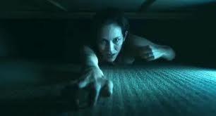 Bag of Bones: Annabeth Gish in una scena dell'adattamento televisivo di Mucchio d'Ossa di Stephen King