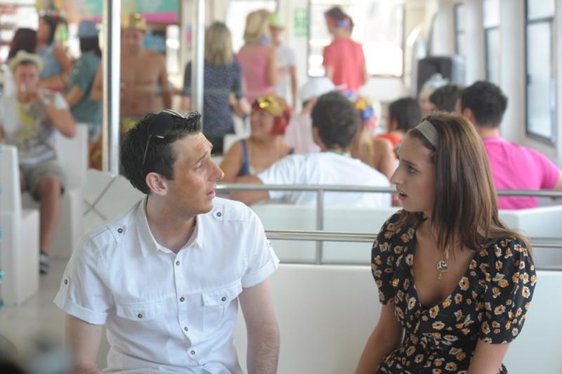 Finalmente maggiorenni: Blake Harrison e Jessica Knappet in una scena del film