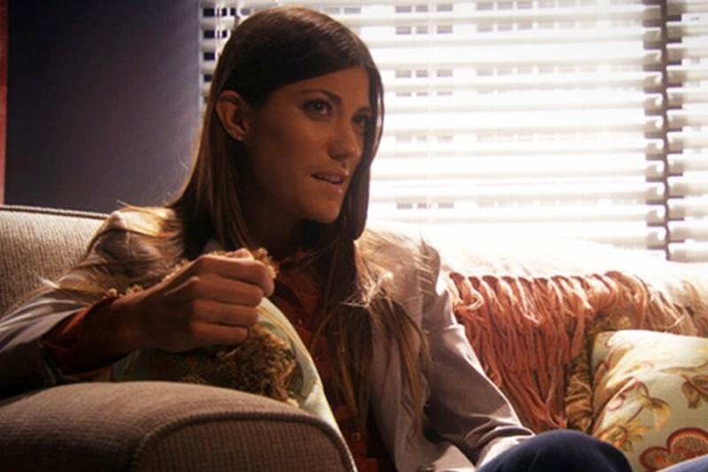 Jennifer Carpenter in una scena dell'episodio Talk to the Hand