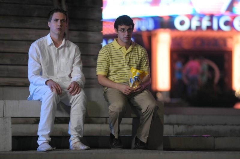 Simon Bird e Joe Thomas in una scena di Finalmente maggiorenni