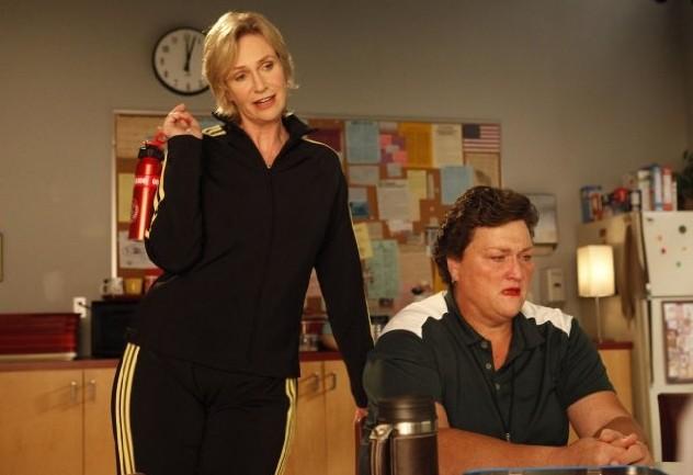 Glee: Jane Lynch e Dot Jones in una scena dell'episodio Le elezioni