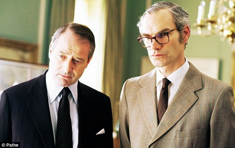 Iron Lady: Julian Wadham e Angus Wright in una scena del film