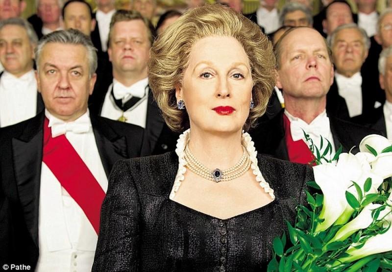 Iron Lady: Meryl Streep con lo sguardo fiero nei panni di Margaret Thatcher in una scena del film