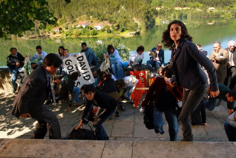 Isabel Abreu in una scena di Aguasaltaspuntocom - un villaggio nella rete