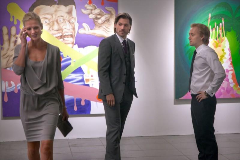 Nikolaj Coster-Waldau insieme a Aksel Hennie e Synnøve Macody Lund in una scena del film Headhunters