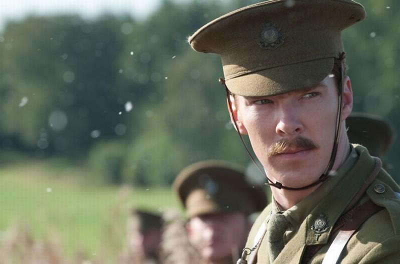 Benedict Cumberbatch in una scena di War Horse