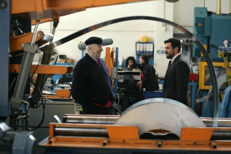 Giuliano Montaldo e Pierfrancesco Favino sul set del film L'industriale