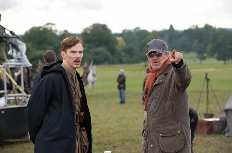 Steven Spielberg insieme a Benedict Cumberbatch sul set di War Horse