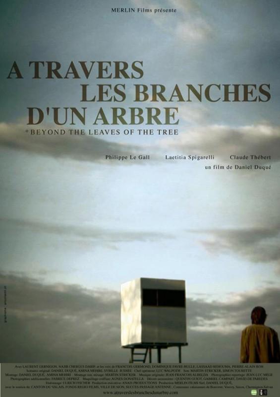 À travers les branches d'un arbre: la locandina del film