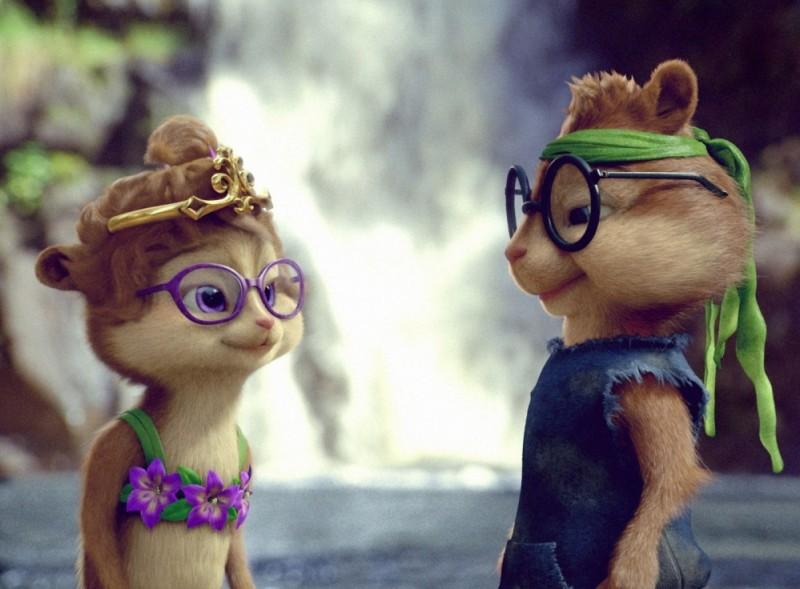 Alvin Superstar 3 - Si salvi chi può!: Jeanette e Simon in una scena del film