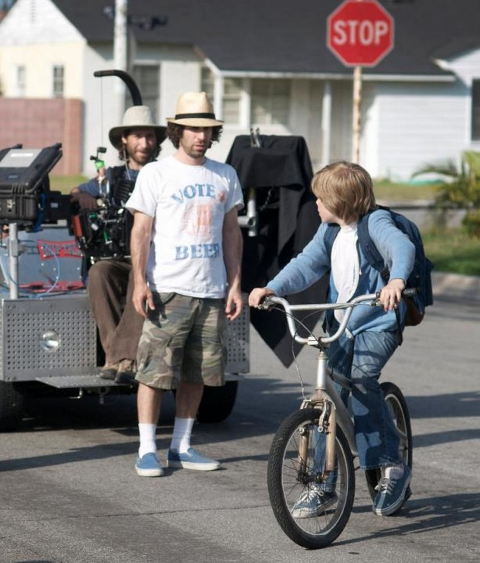 Devin Brochu insieme al regista Spencer Susser sul set di Hesher è stato qui