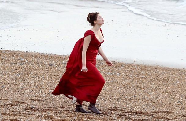 Gemma Arterton sul set del vampire movie Byzantium