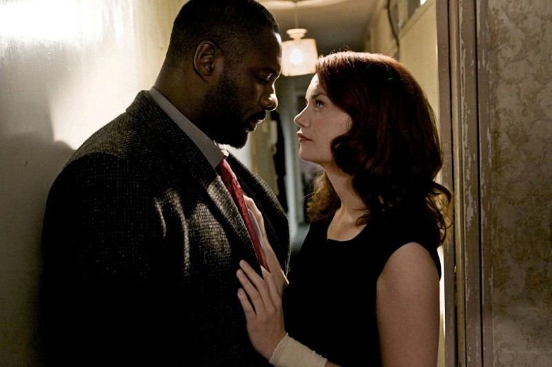 Idris Elba e Ruth Wilson in un sensuale confronto in Luther