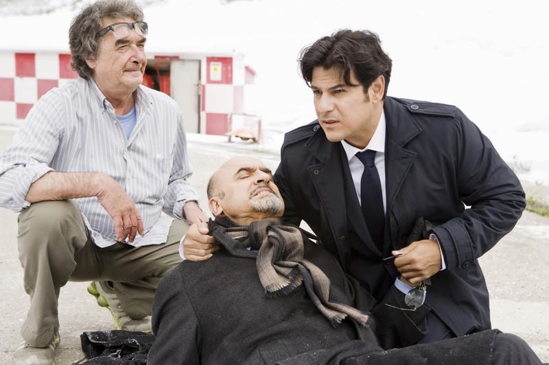 Ivano Marescotti, Dario Bandiera insieme al regista Neri Parenti sul set di Vacanze di Natale a Cortina