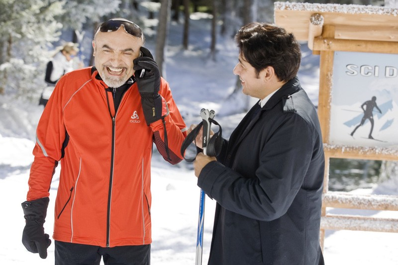 Ivano Marescotti insieme a Dario Bandiera in una scena di Vacanze di Natale a Cortina