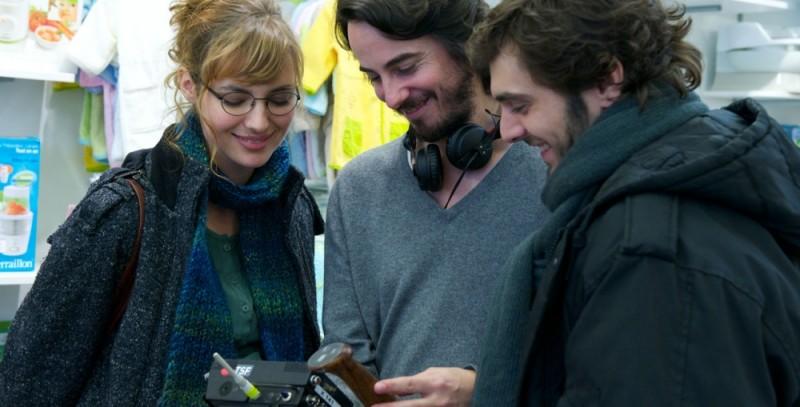 Louise Bourgoine Pio Marmaï sul set del film A Happy Event insieme al regista Rémi Bezançon