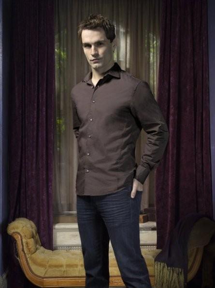 Being Human: Sam Witwer è Aidan in una foto promozionale della seconda stagione