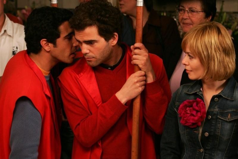 María Adánez, João Tempera e Marco Delgado in una scena di Aguasaltaspuntocom - un villaggio nella rete