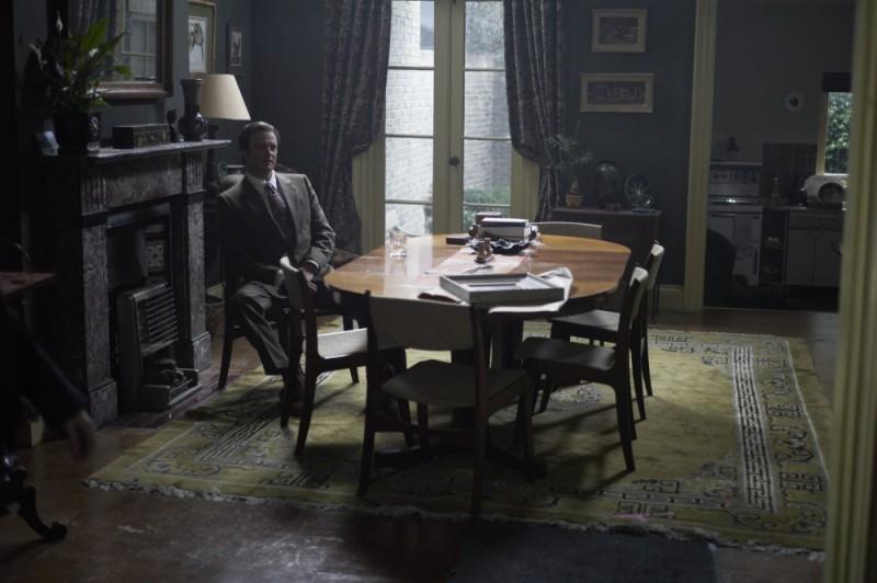 Colin Firth in una scena del film La talpa