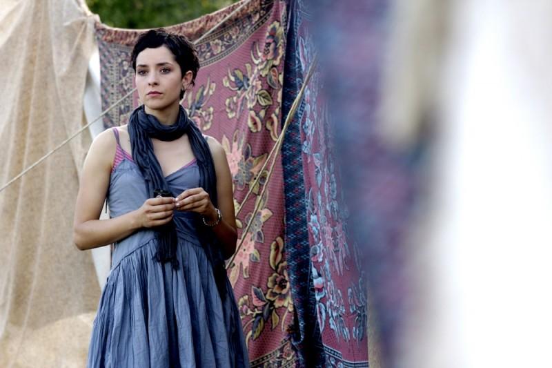 Il sentiero: la protagonista Zrinka Cvitesic in una scena del film