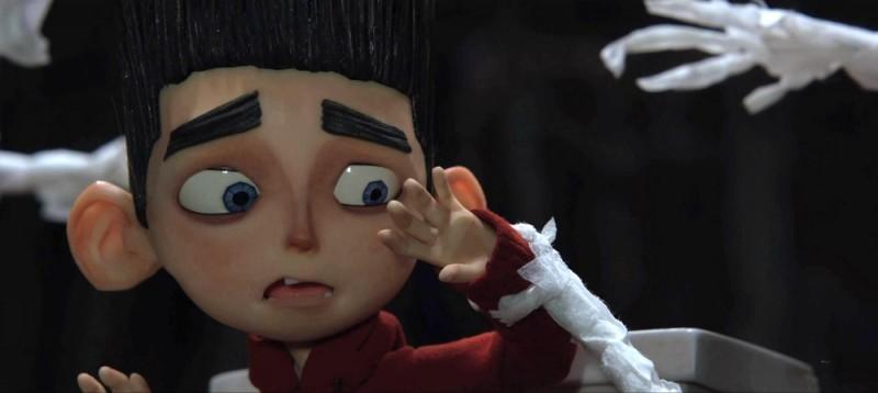 ParaNorman: Norman spaventato da carta igienica animata in una scena del film