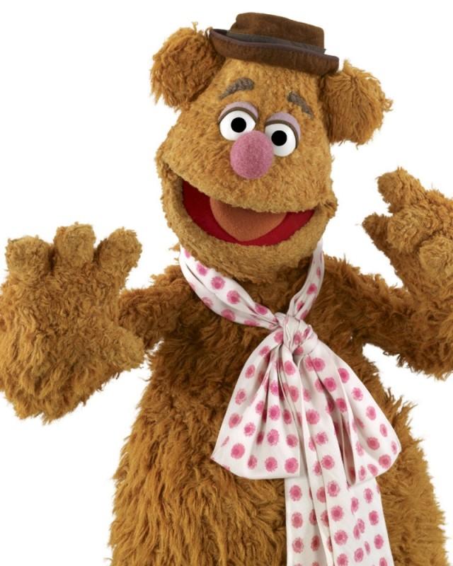I Muppet: Fozzie Bear in una divertente foto promozionale del film
