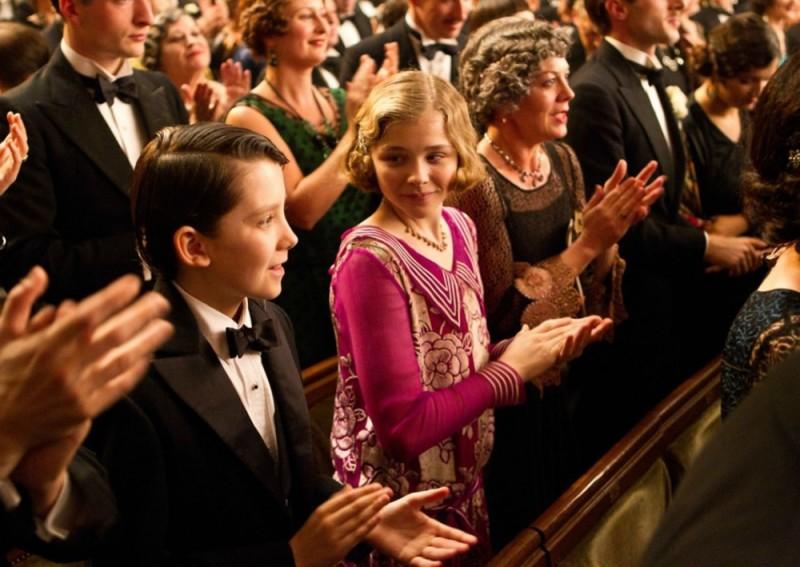 Asa Butterfield e Chloe Moretz applaudono in teatro in Hugo Cabret 3D